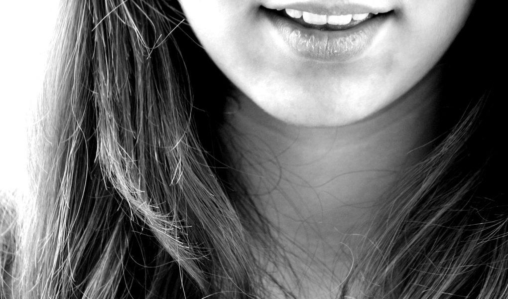 Zdrowy, piękny uśmiech